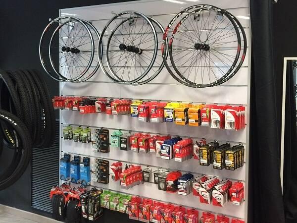 Accesorios y repuestos para bicicletas