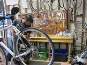 Servicios de reparación bicicletas Valencia - Empresa profesional