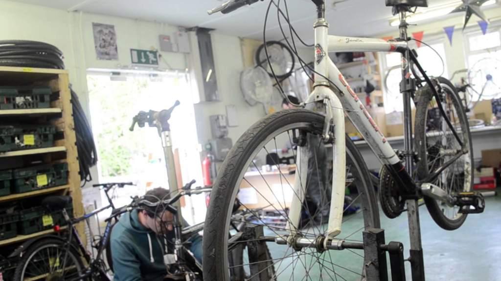 Disponemos de taller bicicletas Valencia